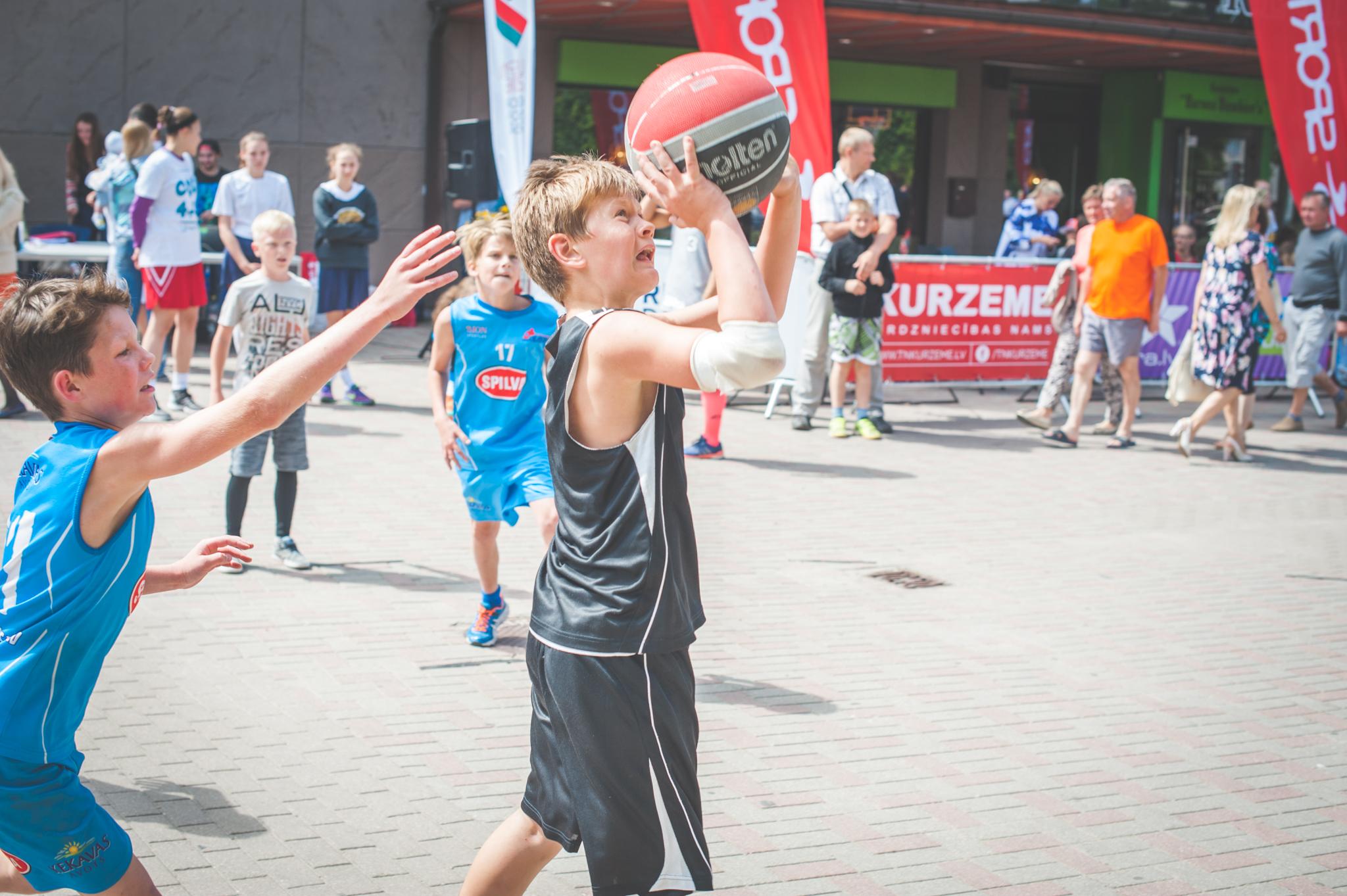 """Ar """"Kurzeme"""" posmu noslēdzies 2016. gada sezonas """"Bruģa bumbas"""" čempionāts 13.08.16."""